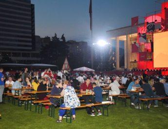 Nga reklamat, te pijet e televizorët, shpenzimet e shqiptarëve për Euro 2020
