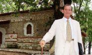 Publikohet pas 28 vitesh një elegji e Lefter Çipës për djalin e humbur të tij para 38 vitesh